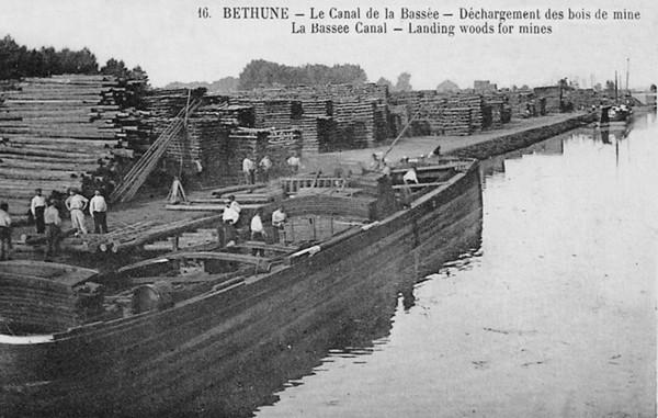 Bois Transport Béthune Le canal de la Bassée ©