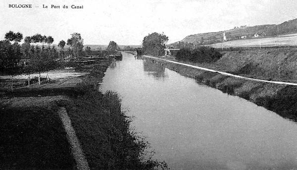 Bologne Le Port du canal ©