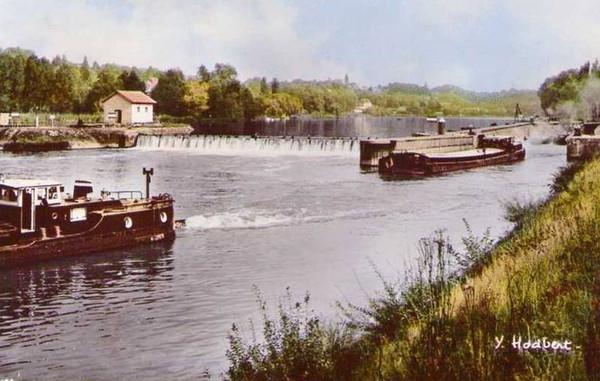 Bois le Roi L'Ecluse sur la Seine à la hauteur de Sermaise ©