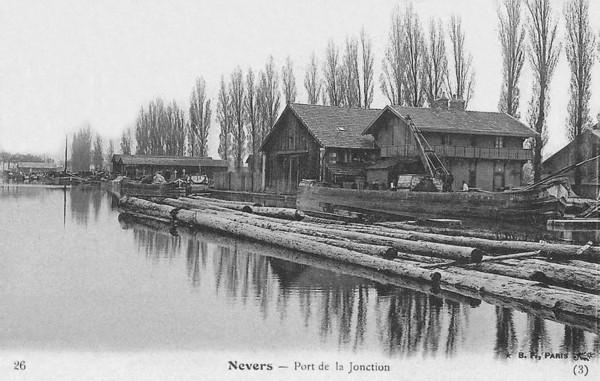 Bois Transport Nevers Port de la Jonction ©