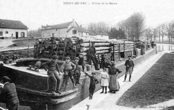 Bois Transport Berry au Bois Ecluse de la Marne ©