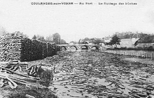 Bois Transport Coulanges sur Yonne Port Les bûches  ©